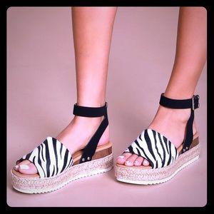 SODA vegan zebra fur platform buckle sandals New 9